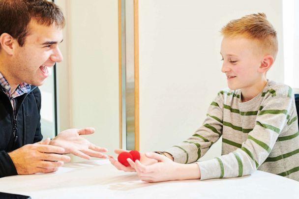 PHOTO: MagicAid uses magic tricks as a therapeutic solution to reduce patient anxiety. (ABC/GABBY JONES)