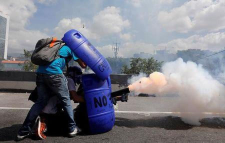 United States seeks joint effort to ensure Venezuela head ends violence