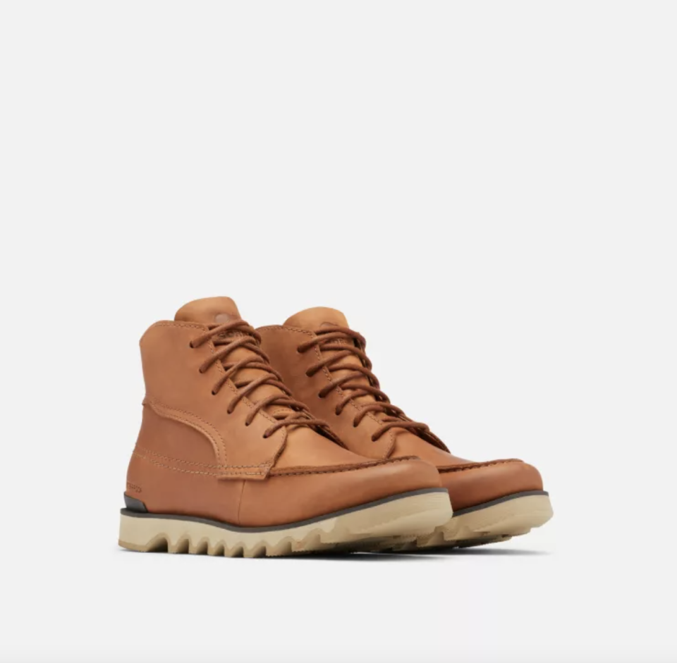 Sorel Kezar Moc Toe Boot in Beeswax/Oatmeal and beige tracking sole
