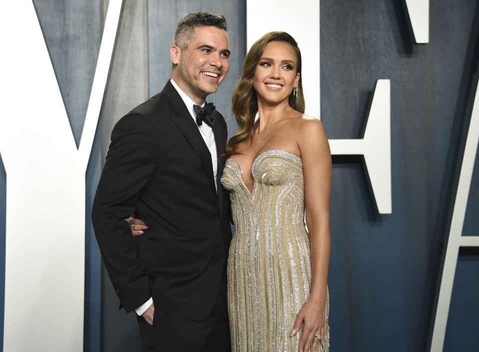 Cash Warren, left, and Jessica Alba arrive at the Vanity Fair Oscar Party on Sunday, Feb. 9, 2020, in Beverly Hills, Calif. (Photo by Evan Agostini/Invision/AP)