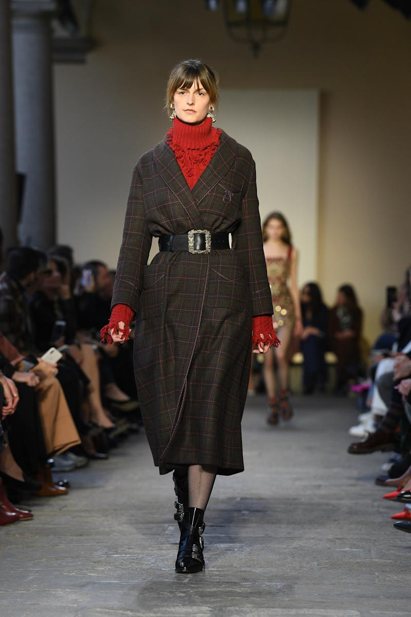 It looks like Jacquetta Wheeler, star British model of the '90s, is back to frequenting Fashion Week for the first time since 2015. In addition to walking Etro's fall/winter 2019 show, she also appeared at Burberry and Gareth Pugh in February 2019.