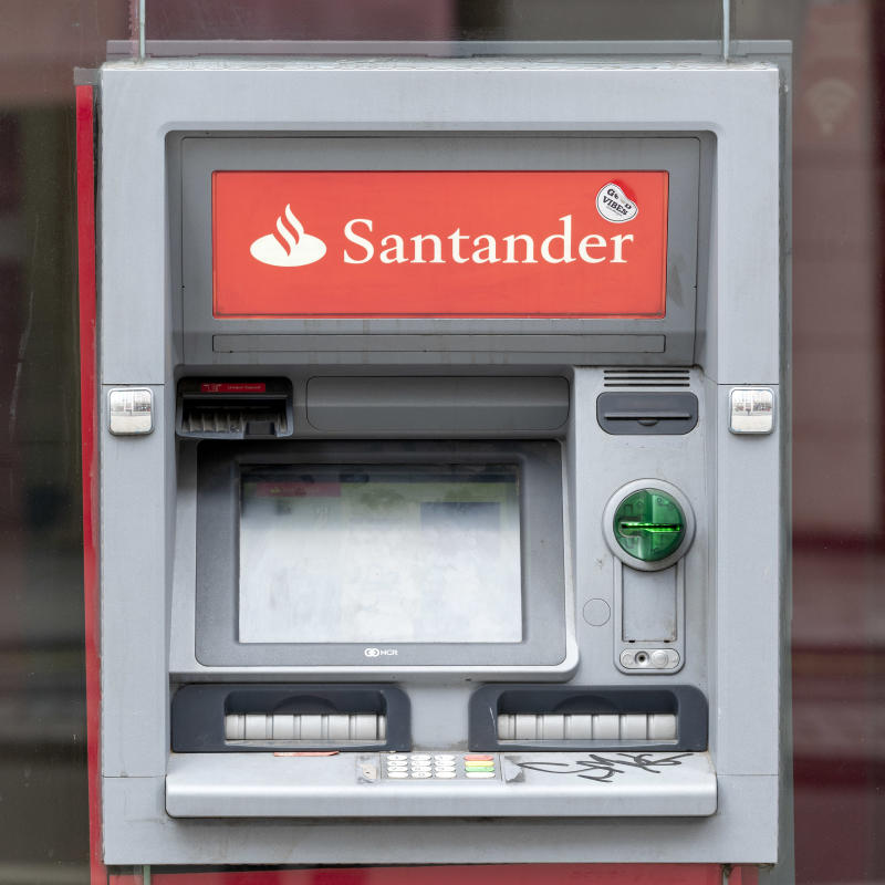 LONDON, UNITED KINGDOM - 2020/06/08: Santander cash machine seen outside one of their branches. (Photo by Dave Rushen/SOPA Images/LightRocket via Getty Images)
