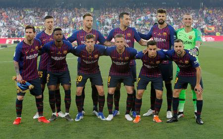 Soccer Football - Copa del Rey - Final - FC Barcelona v Valencia - Estadio Benito Villamarin, Seville, Spain - May 25, 2019 Barcelona players pose for a team group photo before the match REUTERS/Jon Nazca