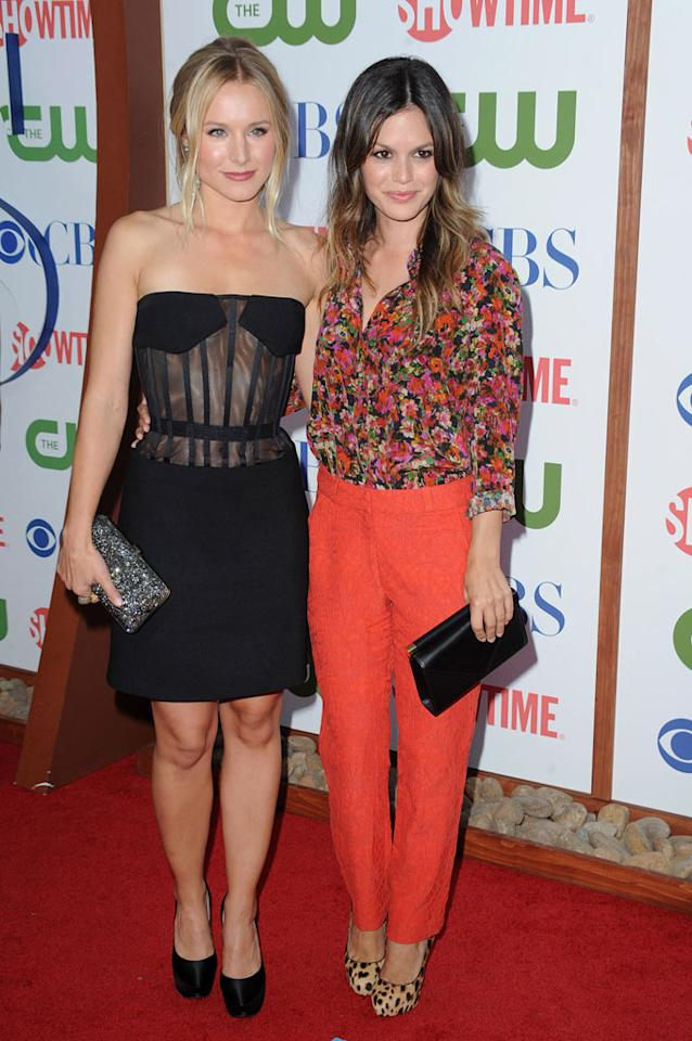 """Kristen Bell of """"House of Lies"""" and Rachel Bilson of """"Hart of Dixie"""" attend the CBS, The CW, and Showtime 2011 Summer TCA Party at The Pagoda on August 3, 2011 in Beverly Hills, California."""