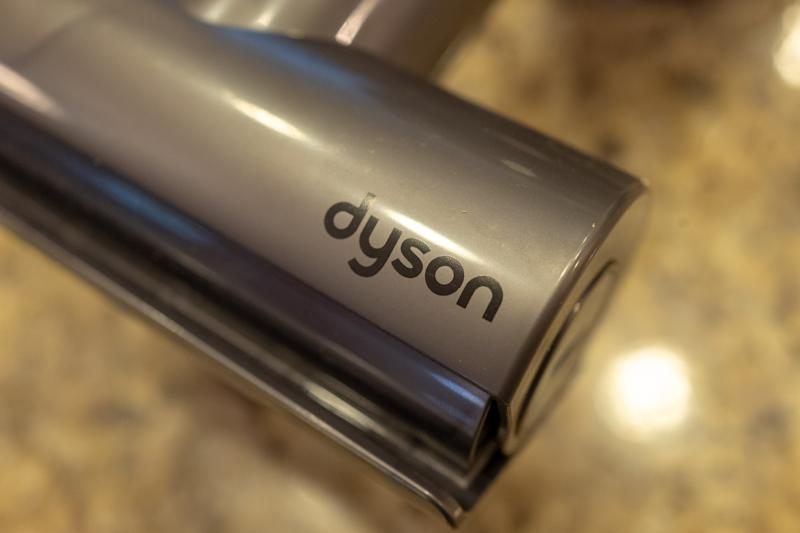 Dyson designs from scratch to make 15,000 ventilators