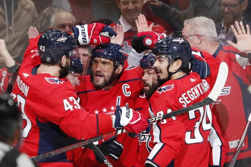 NHL roundup: Ovechkin alone at No. 11 on goals list