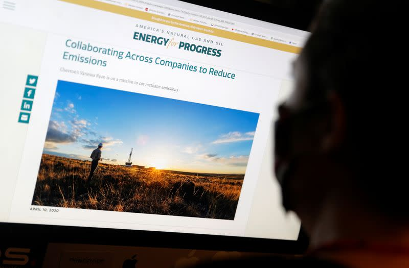 In the run-up to U.S. election, drilling lobby promotes natural gas as 'clean'