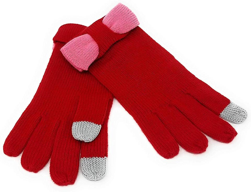 <p>How sweet are these <span>Kate Spade Tech-Friendly Colorblock Gloves</span> ($43)?</p>