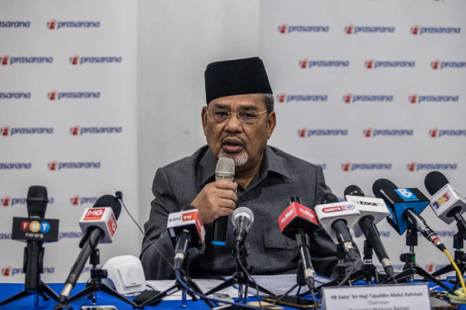 Prasarana chairman Datuk Sri Tajuddin Abdul Rahman speaks during a press conference at Menara UOA in Kuala Lumpur January 4, 2021. — Picture by Firdaus Latif