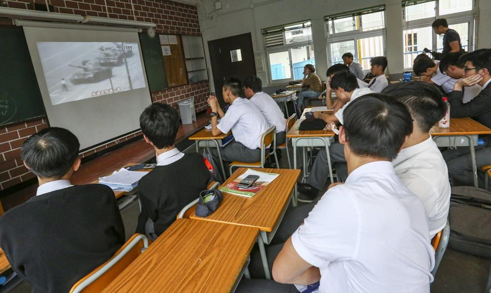 Students at a secondary school in Wan Chai listen to a lecture on the 1989 Tiananmen Square crackdown in 2019. Photo: Jonathan Wong