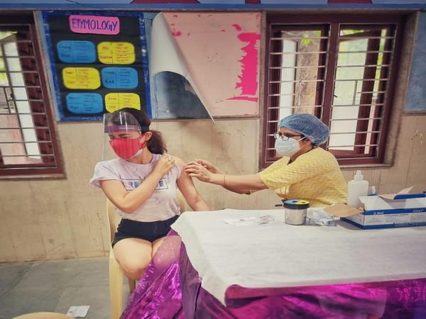 Radhika Madan receiving COVID-19 vaccine (Image Source: Instagram)