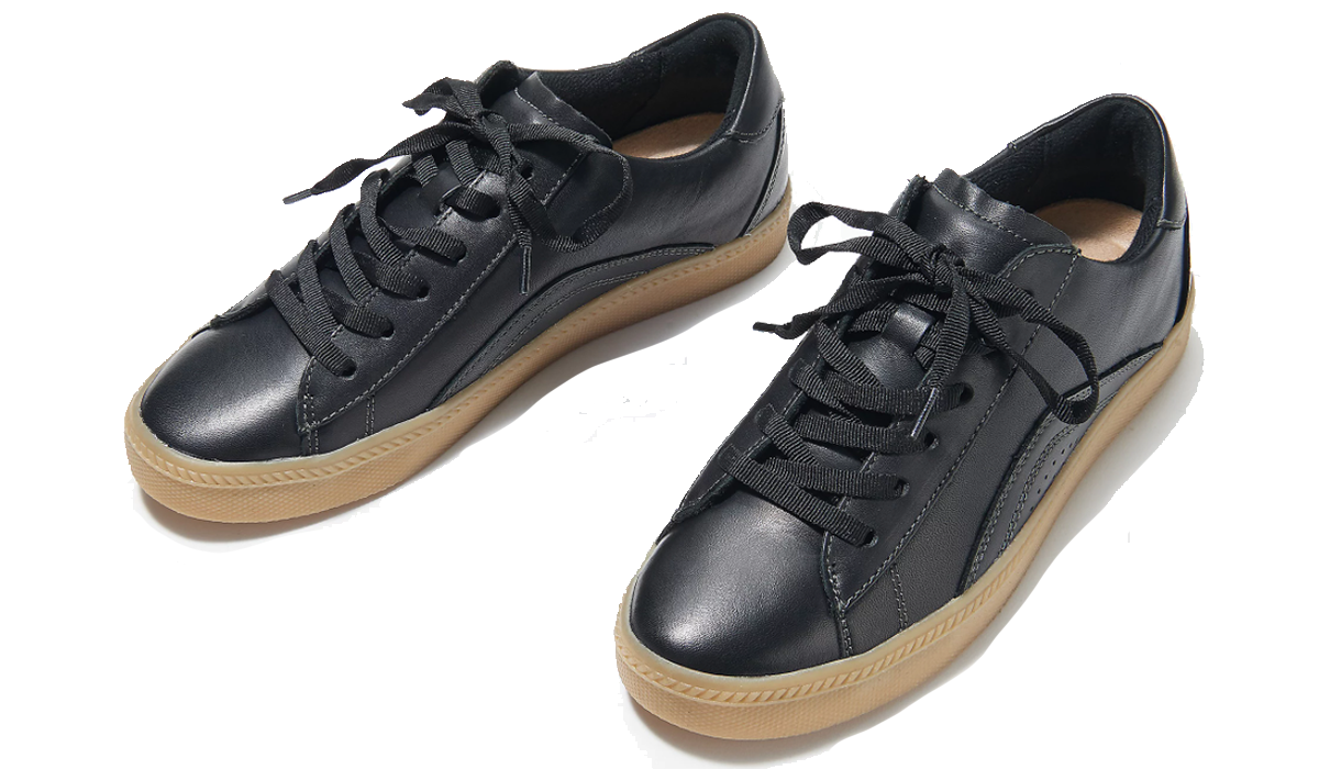 Reduce your carbon footprint in these old-school Earth shoes. (Photo: QVC)