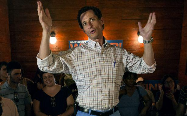 Woman Claims Anthony Weiner Was Still Sexting Last Summer