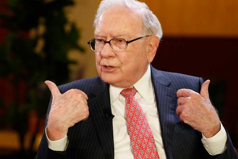 Apple should buy back shares: Warren Buffett