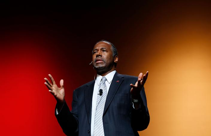 Ben Carson <a href=&quot;http://www.huffingtonpost.com/entry/ben-carson-formally-suspends-presidential-campaign_us_56d9f366e4b0ffe6f8e96173&quot;>officially suspended his campaign</a> March 4, 2016.