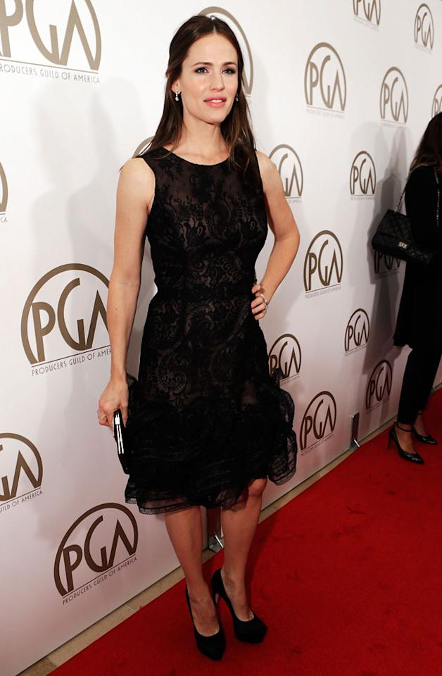 BEVERLY HILLS, CA - JANUARY 26:  Actress Jennifer Garner arrives at the 24th Annual Producers Guild Awards held at The Beverly Hilton Hotel on January 26, 2013 in Beverly Hills, California.  (Photo by Jeff Vespa/WireImage)