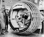<p>In 1932, these folks appear to be behind the wheel of something that looks to be from the future, even by today's standards. </p>