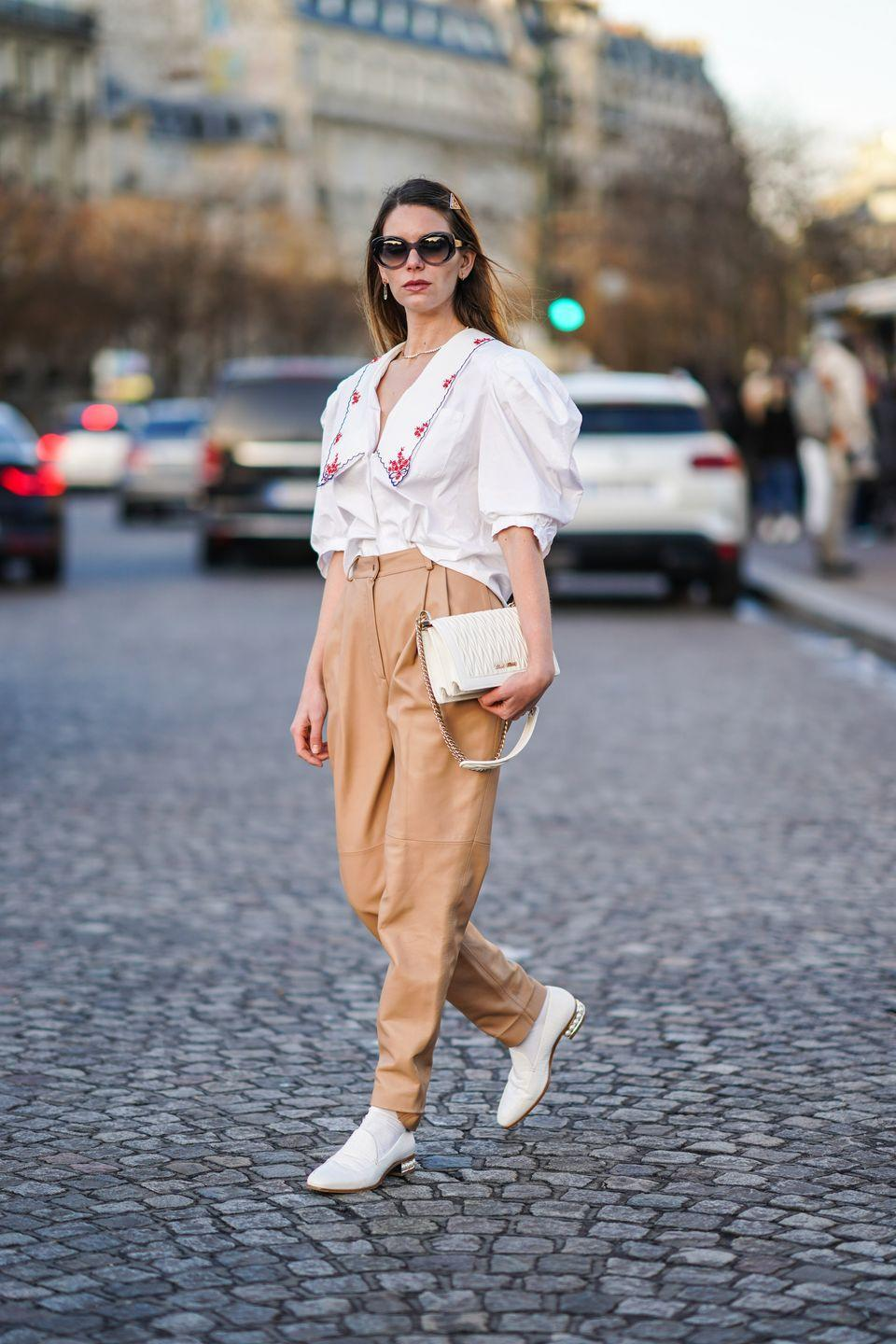 <p>Oversized collars are a vibe I can get behind. Style the extra girly look with simple trousers and plain white shoes for an elevated look.<br><br></p>
