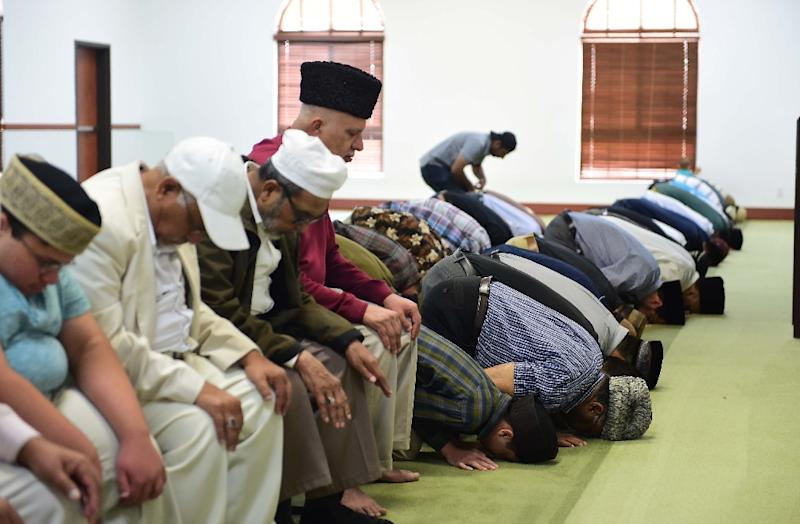 """US Muslims pray at a mosque in July 2016 in California, where three mosques received pro-Donald Trump hate laters calling Muslims """"children of Satan"""""""