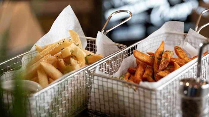 <p>Foursquare shares the best places for your fry fix.</p>