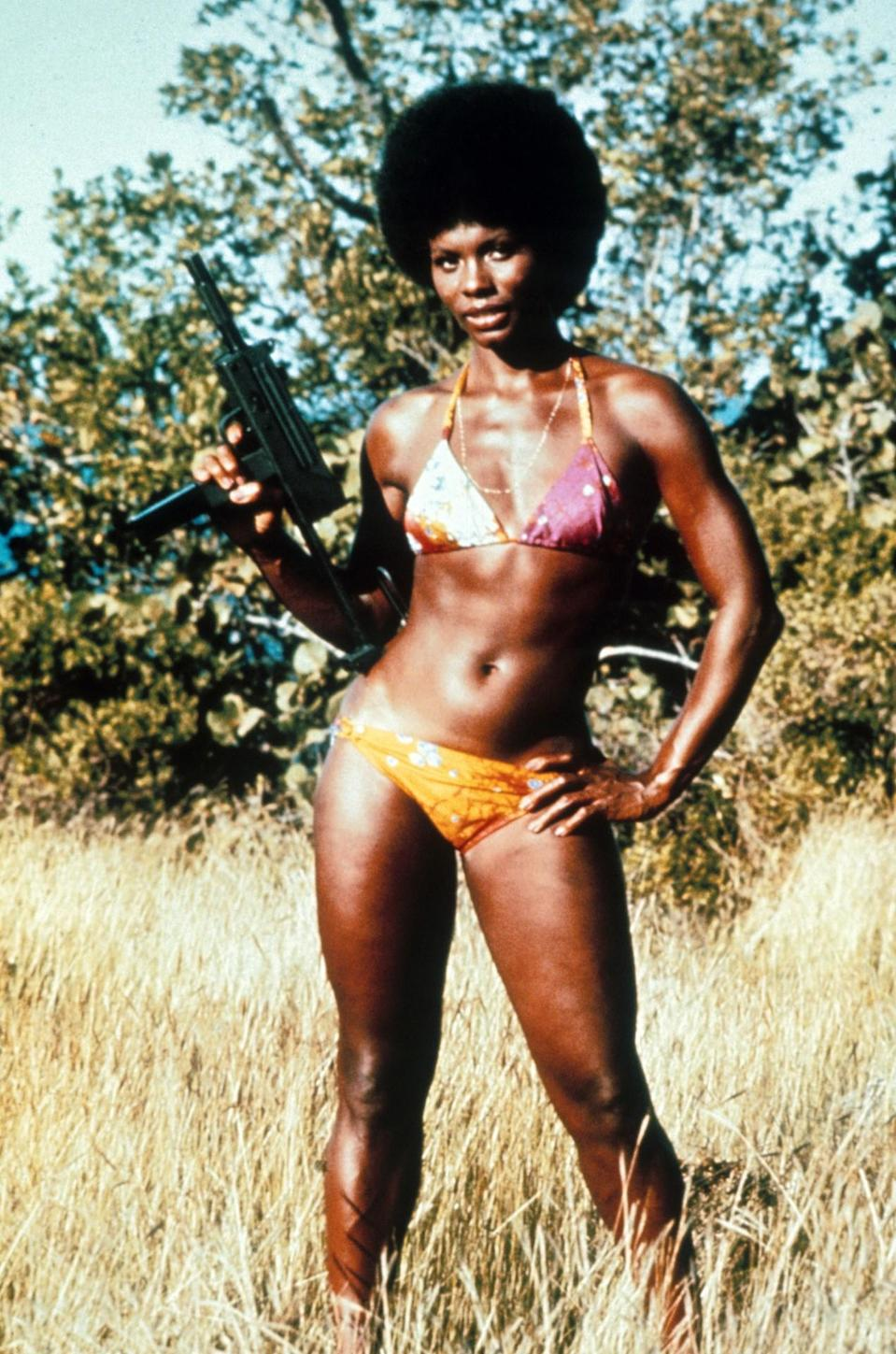 <p>After 11 years of guzzling shaken-not-stirred martinis, Bond becomes romantically involved with Carver, a CIA agent and the first African American Bond girl. Her cool afro, dewy skin, and colorful bikinis were enviable, but sadly her fate was not. <i>(Photo: Everett Collection)</i></p>