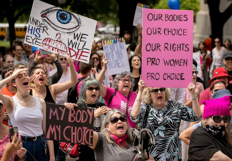 Abortion rights advocates rally at the Capitol in Austin, Texas, on Tuesday to oppose state laws that impose strict restrictions on abortion. (Photo: ASSOCIATED PRESS)
