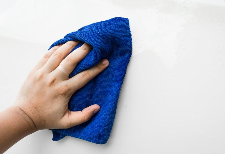 40275252 - blue microfiber cloth for cleaning car