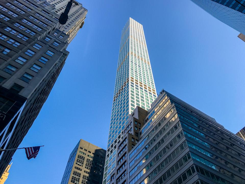 Residents of the 432 Park Avenue residential tower are reportedly suing developers (Getty Images)