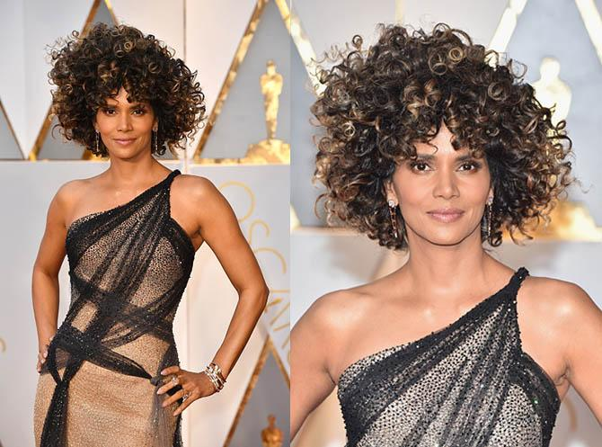 HOLLYWOOD, CA - FEBRUARY 26: Actor Halle Berry attends the 89th Annual Academy Awards at Hollywood & Highland Center on February 26, 2017 in Hollywood, California. (Photo by Jeff Kravitz/FilmMagic)