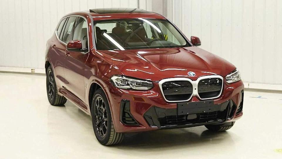 Prior to debut, facelifted BMW X3 and iX3 spotted