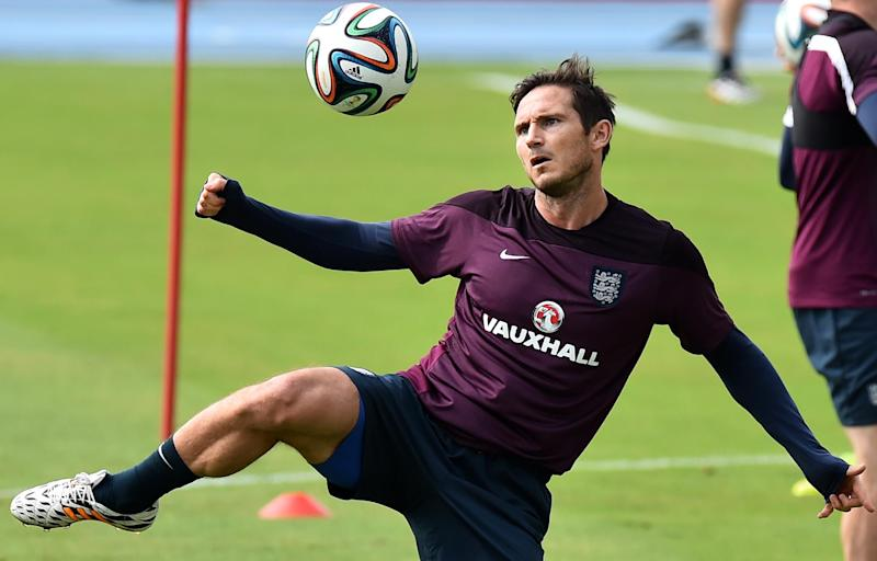 England midfielder Frank Lampard attends a training session at the Urca military base in Rio de Janeiro on June 21, 2014, during the 2014 World Cup