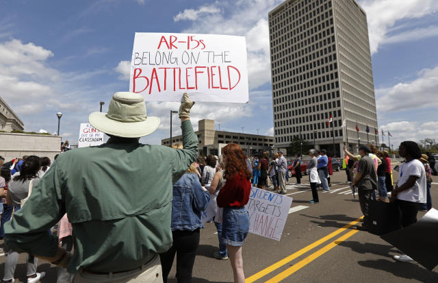 "<p>Several hundred students, parents, concerned citizens and anti-gun advocates rally by a plaza connecting state offices in downtown Jackson, Miss. for the ""March for Our Lives"" rally. (AP Photo/Rogelio V. Solis) </p>"