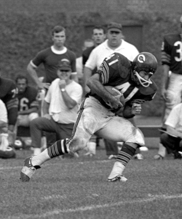 <p>Cause of death: The Bears' running back died from embryonal cell carcinoma, an aggressive form of germ cell testicular cancer. </p>