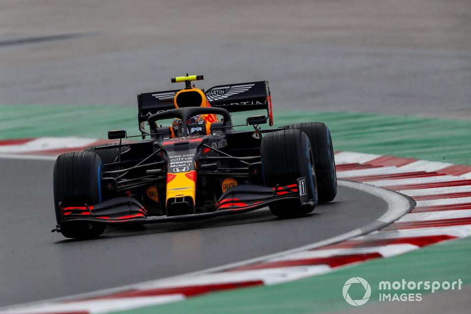 """Alex Albon, Red Bull Racing RB16<span class=""""copyright"""">Charles Coates / Motorsport Images</span>"""