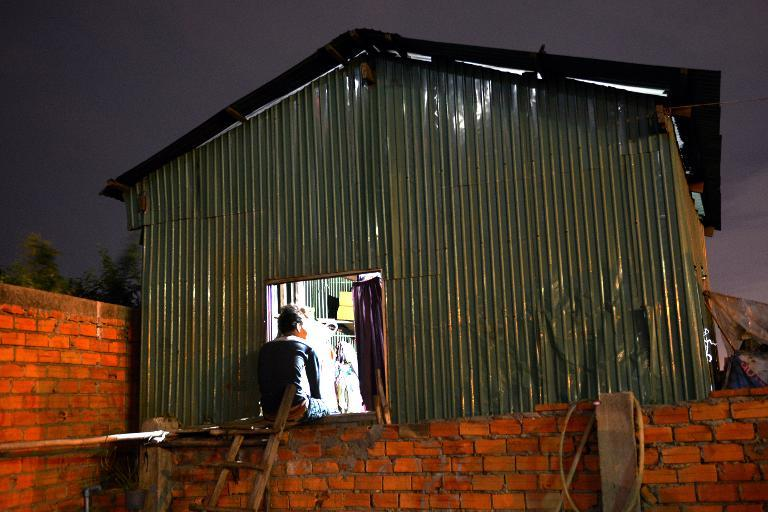 At the corrugated iron shack he shares with nine relatives, Chhay says a neighbour persuaded him and a pair of brothers -- all from the marginalised Cham Muslim minority -- to sell their kidneys to rich Cambodians on dialysis