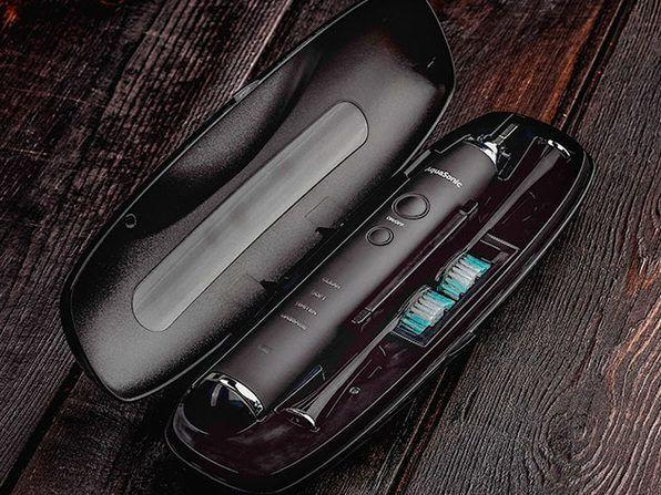 It even comes with a sleek travel case. (Photo: Amazon)