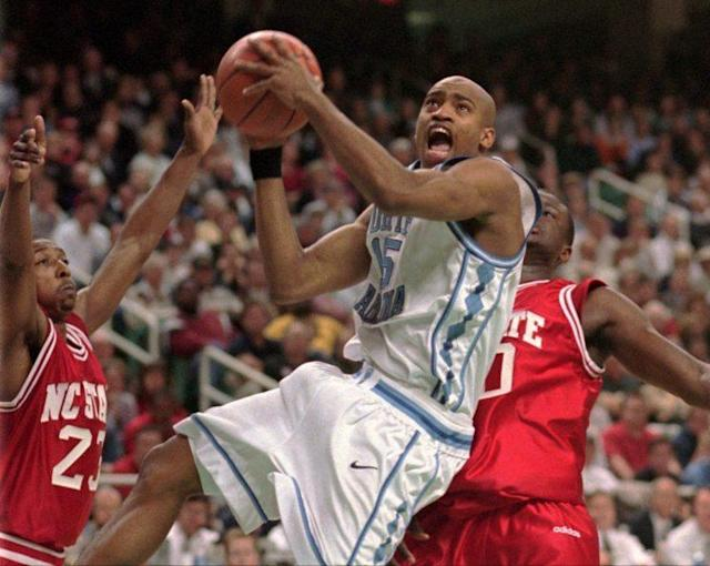 Carter drives to the hoop for North Carolina in 1998. (AP)