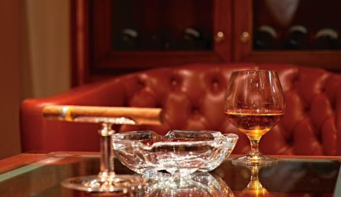 <p>Connoisseur's Corner is a scotch and cigar room on the Silver Cloud. (silversea.com) </p>