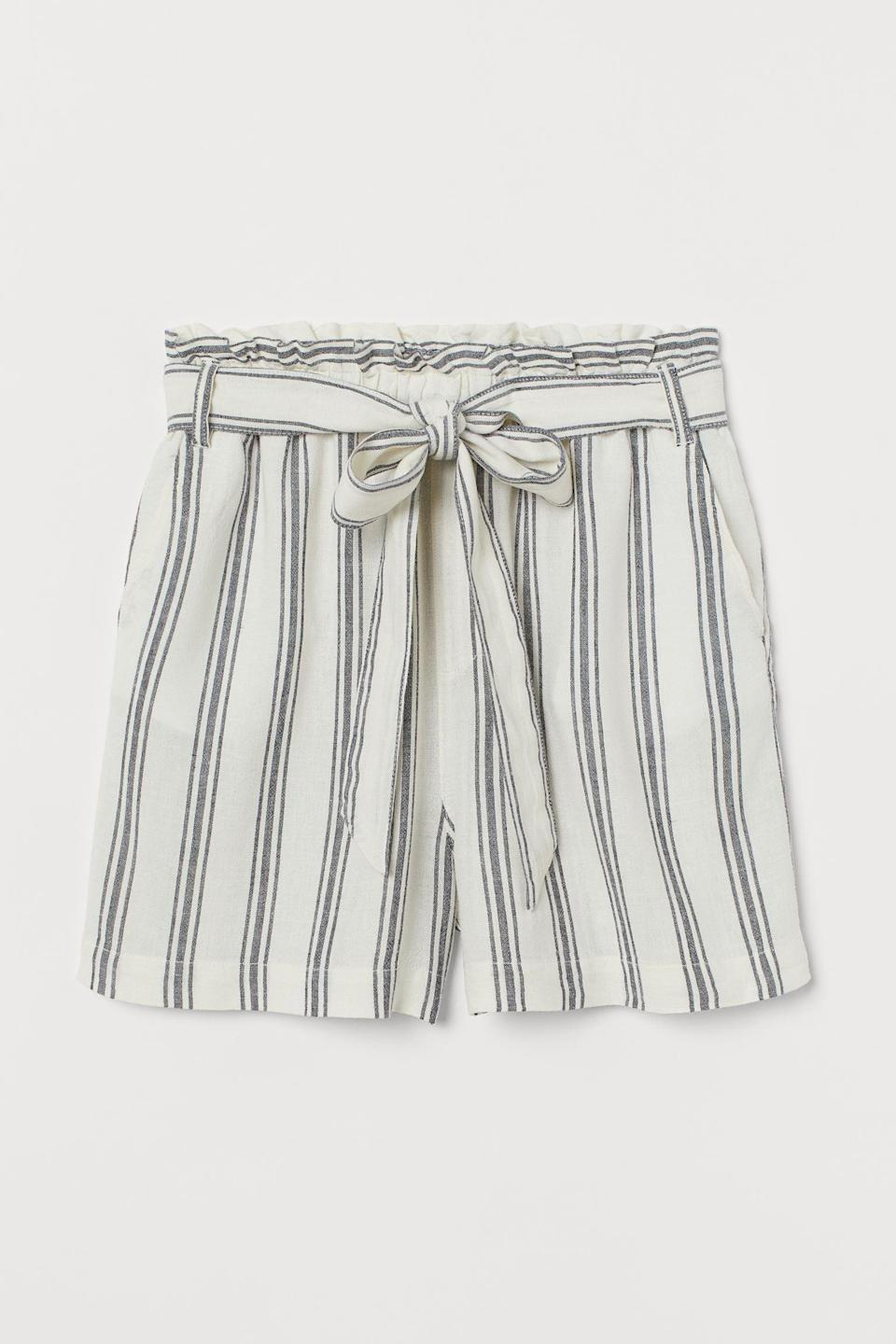 <p>These <span>Linen-blend Paper-bag Shorts</span> ($7, originally $30) are ready to be taken to the beach.</p>