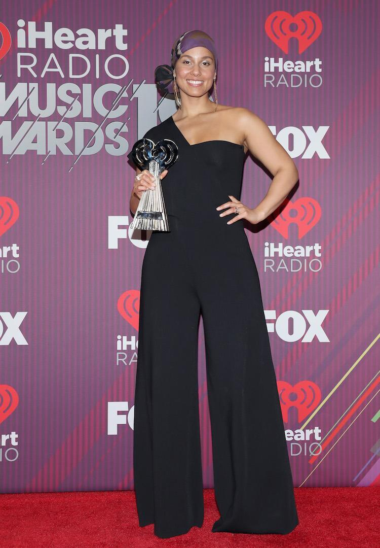 <p>On March 14, Singer Alicia Keys graced the red carpet on a flared one-shoulder jumpsuit. <em>[Photo: Getty]</em> </p>
