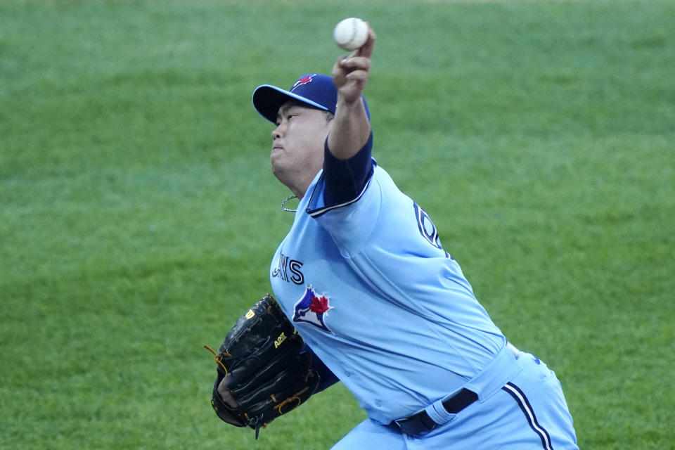 Toronto Blue Jays starting pitcher Hyun Jin Ryu, of South Korea, throws against the Chicago White Sox during the first inning of a baseball game in Chicago, Thursday, June 10, 2021. (AP Photo/Nam Y. Huh)