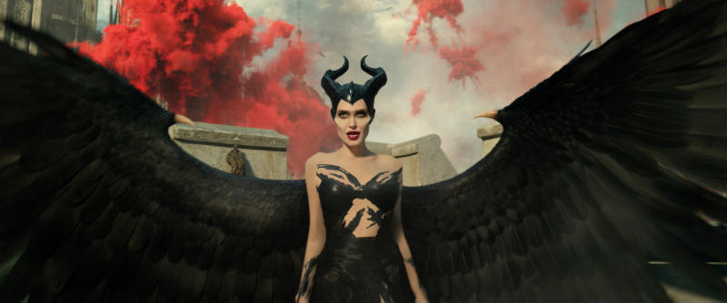 Angelina Jolie strikes a pose as Maleficent in 'Maleficent: Mistress of Evil' (Photo: Disney)