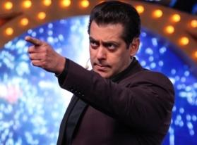 Bigg Boss 13: Salman Khan asks Rashami Desai to leave the house