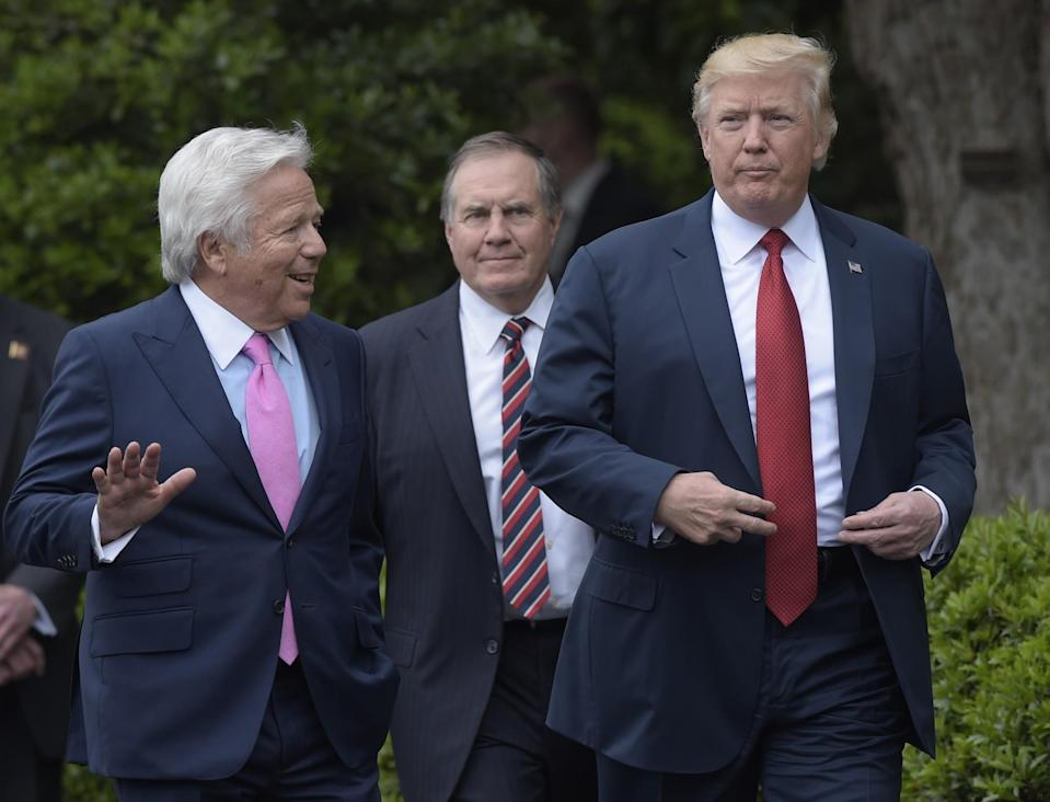 Patriots owner Robert Kraft (L) praised president Donald Trump and head coach Bill Belichick. (AP)