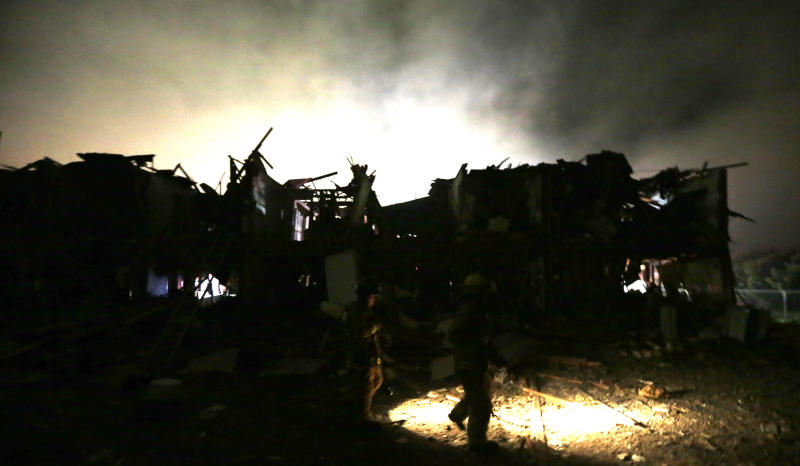 Police: 5 to 15 people killed in Texas explosion