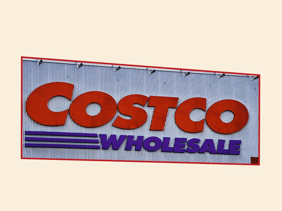 Costco Is Selling 50 Roses Just In Time For Valentine S Day It S Such A Good Deal