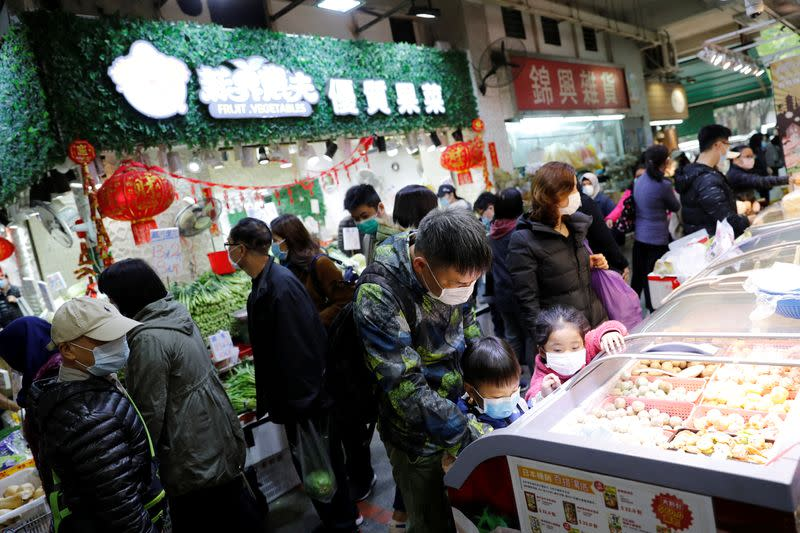Hong Kong economy to see more weakness due to virus outbreak