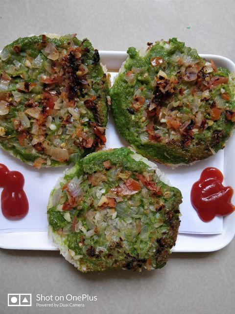 Healthy Spinach Uttapam For Your Little One