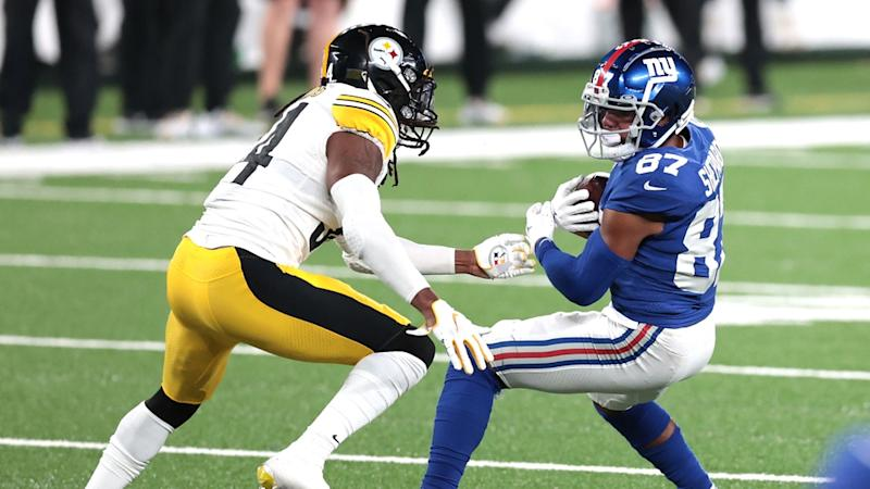 Sterling Shepard looks to make a tackler miss