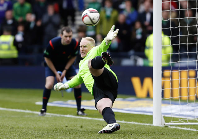 Football Soccer - Hibernian v Dundee United - William Hill Scottish Cup Semi Final - Hampden Park, Glasgow, Scotland - 16/4/16 Hibernian's Conrad Logan concedes a penalty Action Images via Reuters / Russell Cheyne Livepic EDITORIAL USE ONLY.